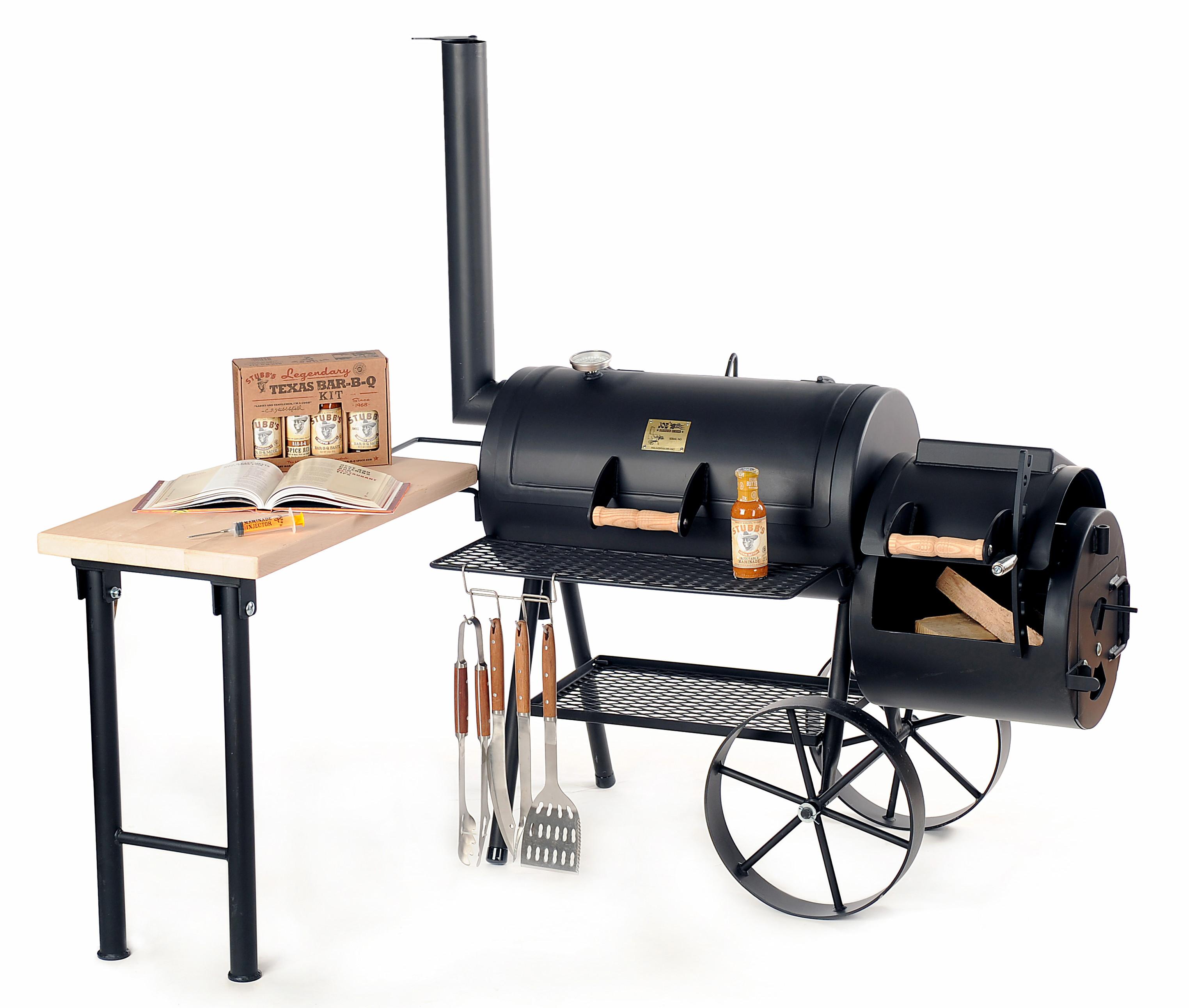 Joe-s-Barbeque-Smoker-mit-Deko